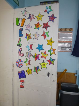 Welcome in cm1 cm2 blog de l 39 cole fr d ric chopin de for Decoration porte ecole